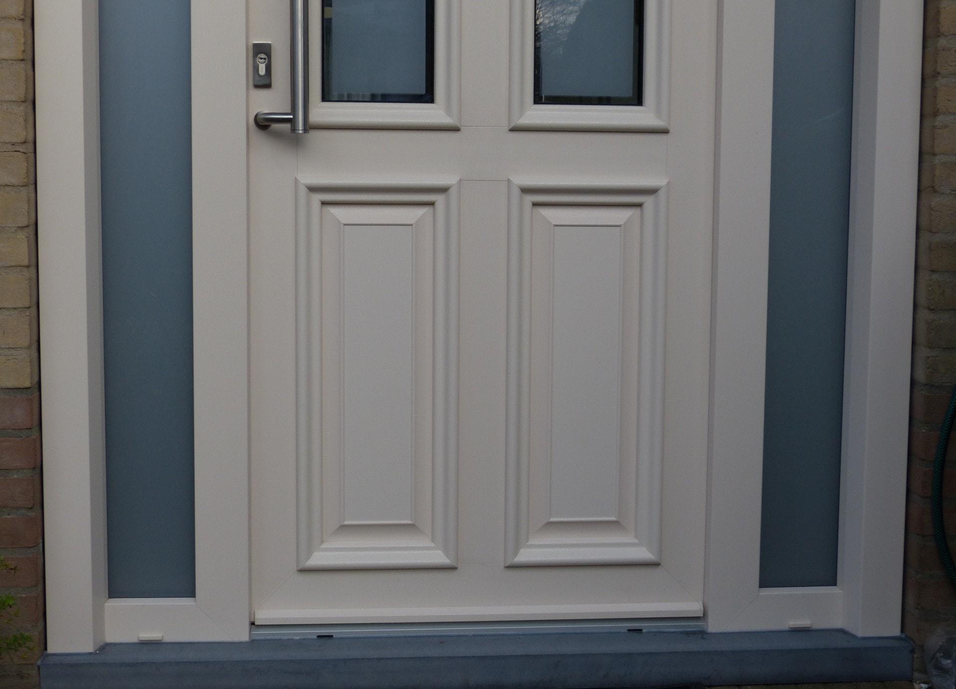 Kunstof Deuren Prijzen : Kunststof voordeuren windowplus
